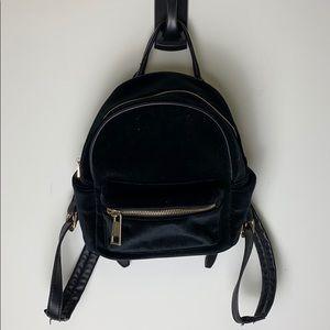 Hibou mini backpack